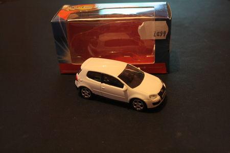 Volkswagen_Golf_V_GTi_02