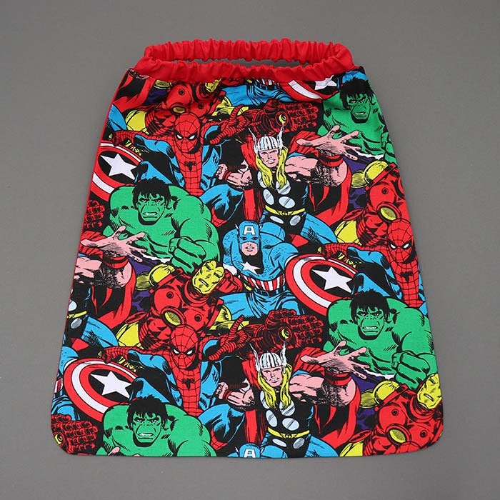serviette_table_enfants_cou_elastique_Mes_super_heros