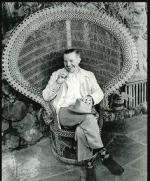 Wicker_sitting_inspiration-model-man-1