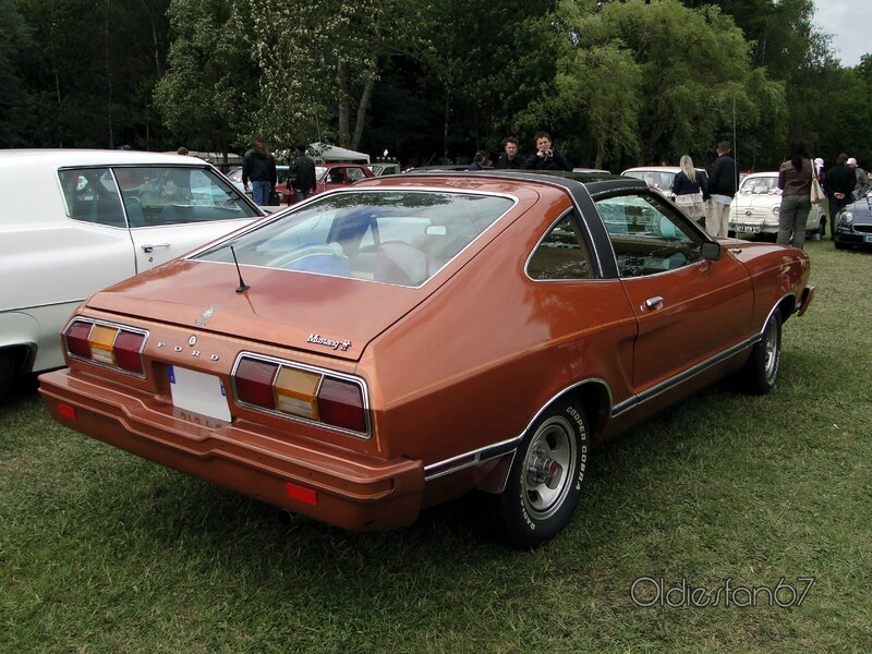 ford-mustang-2-hatchback-1978-b