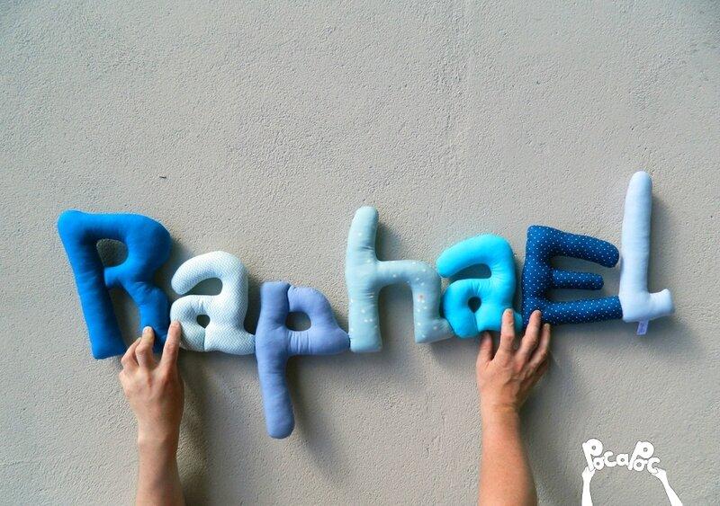 raphael, mot en tissu,mot decoratif,cadeau de naissance,decoration chambre d'enfant,cadeau personnalise,cadeau original,poc a poc blog