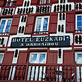 Espelette, hôtel Euzkadi, terrasse (64)