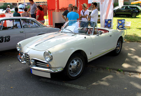 Alfa_Rom_o_giulietta_spider_de_1958__34_me_Internationales_Oldtimer_meeting_de_Baden_Baden__01
