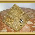Pyramide (coffret à bijoux)