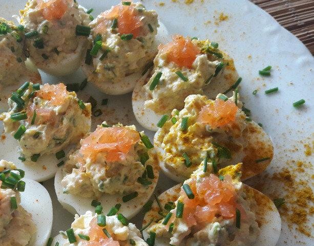 oeufs durs farcis au saumon fumé (2)