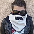 Snood à moustache