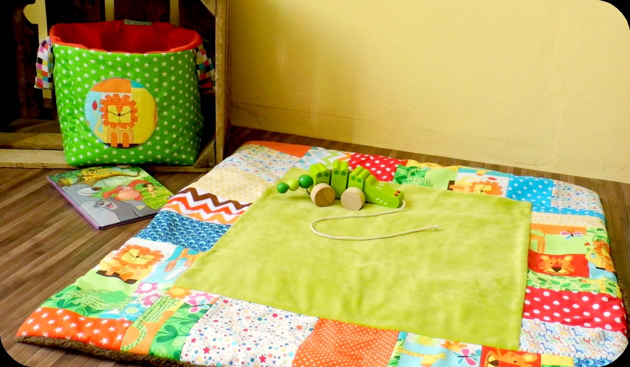 Couverture tapis eveil corbeille à jouet