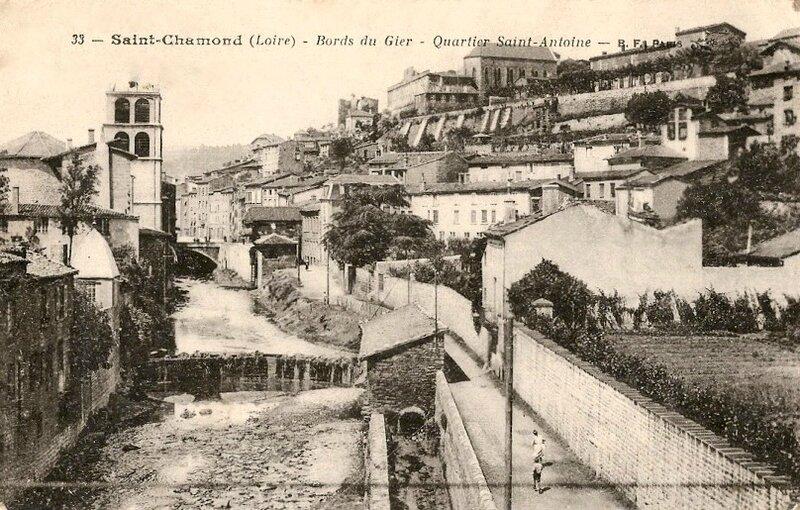 église St-Pierre vue du Gier (5)