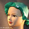 chapeau vert et blanc a