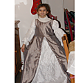 Cadeau n°2, la robe couleur de lune