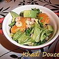 Salade de crevettes, avocat et mandarine