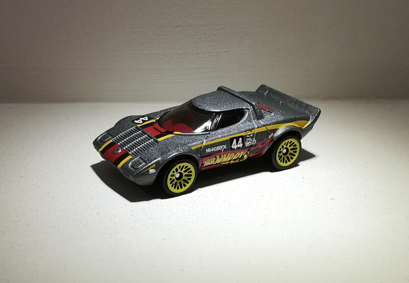 Lancia Stratos (Hotwheels) 01