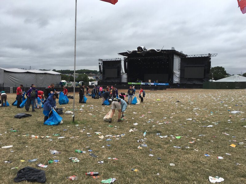 Glastonbury_festival_2017_litter picker_Other Stage_nettyage_site