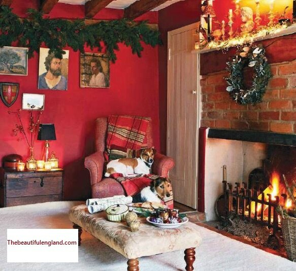 Christmas-decor-in-English-home