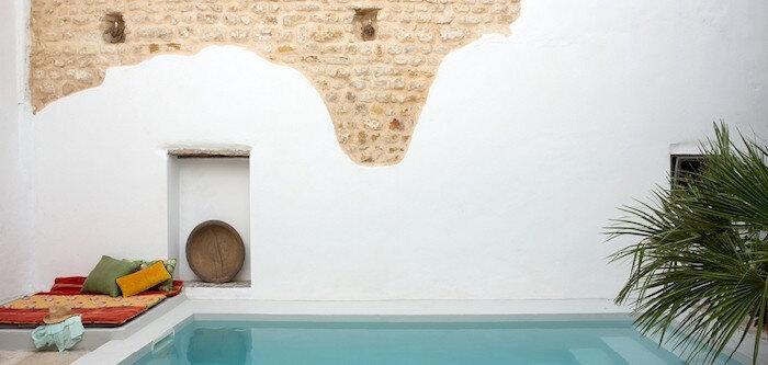 jardin-méditerranéen-tunisie-idée-deco-design-peinture-chaux