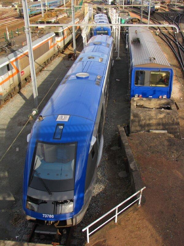 X 73 500, X2200 et les locos, Bordeaux.