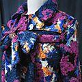 Manteau AGLAE en lainage polyester multicolore sur fond noir (5)