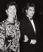 tom-cruise with his mom
