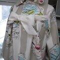 Manteau AGLAE en toile de coton rayée écru et beige imprimé oiseaux rose et ciel - noeud de lin écru (4)