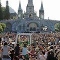 Lourdes, le Pape Benoît XVI sur l'esplanade des Sanctuaires