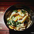 Soupe aux nouilles et aux légumes