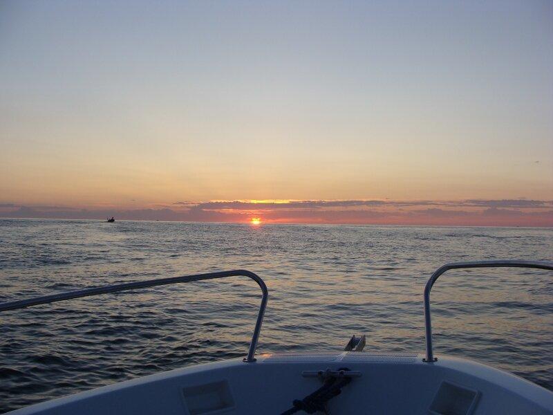 Lever de soleil au ptit matin sur la méditerranée...