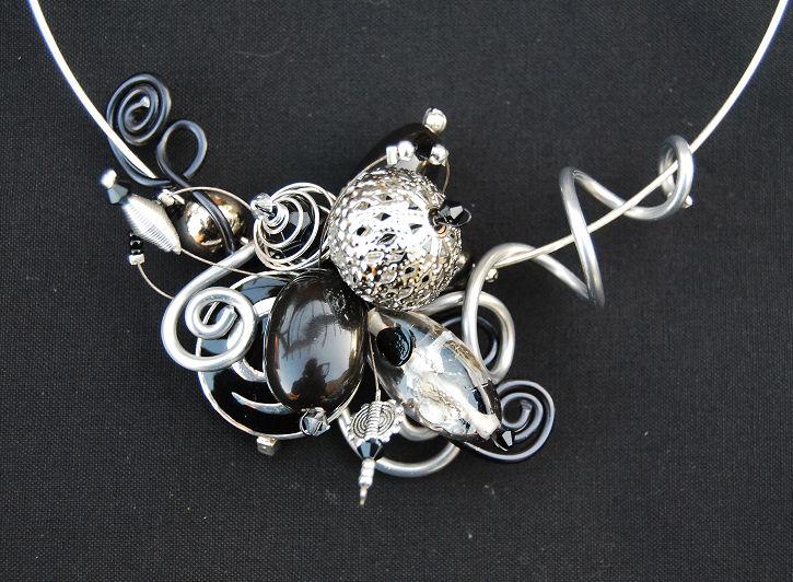 collier noir et argent pour Marie proposition 1