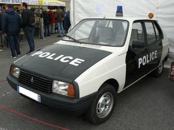 Visa_police