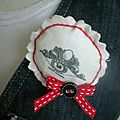 broche-broche-logo-cezed-noeud-rouge-bout-8952021-img-20140521-237c62-53fd3_big
