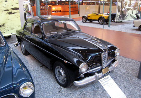 Alfa_Rom_o_super_berlina_1900_de_1955__Cit__de_l_Automobile_Collection_Schlumpf___Mulhouse__01