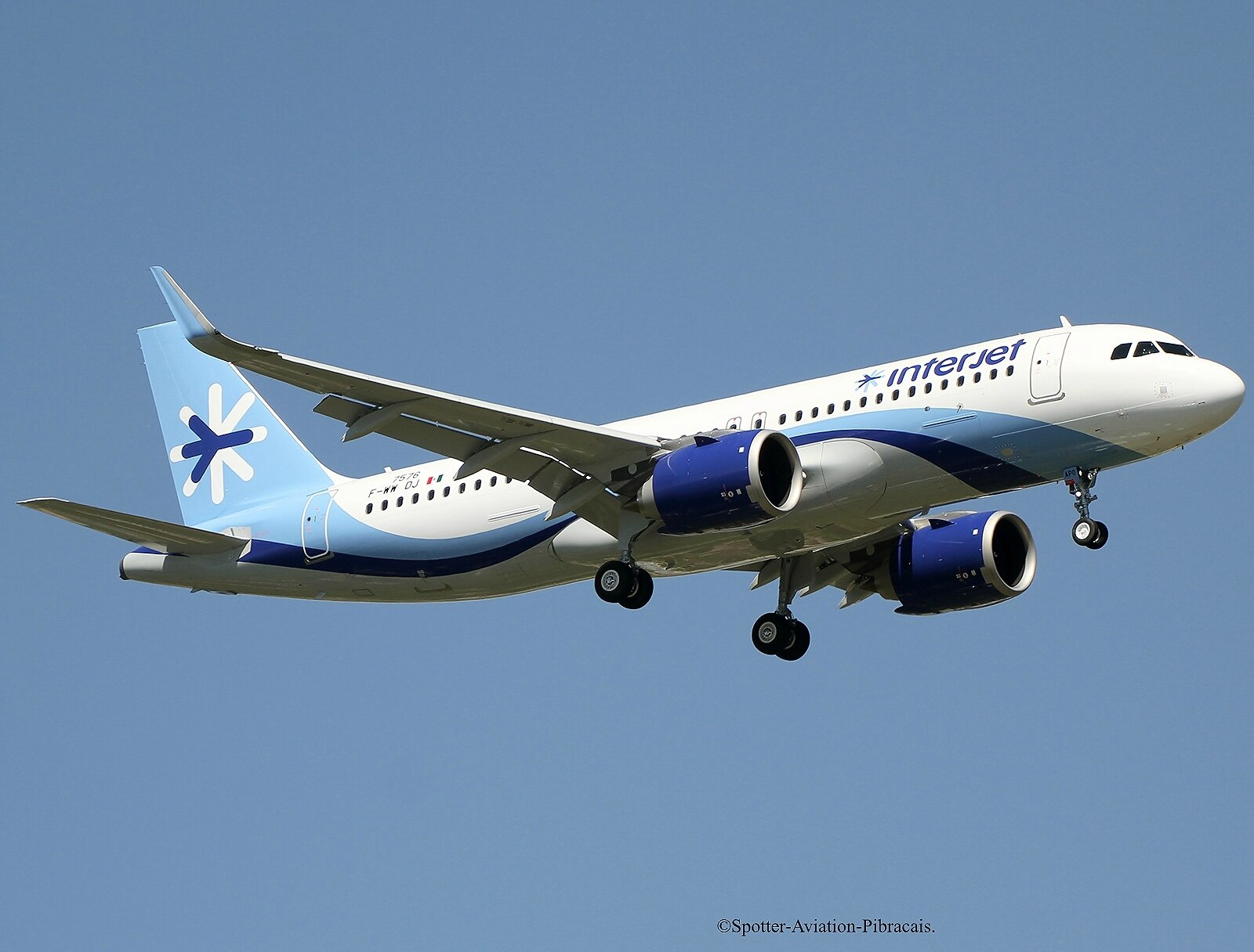 Interjet (Airbus A320 NEO).
