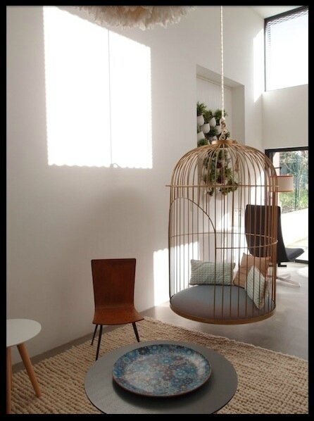si ge suspendu cage anouchka potdevin le blog de moon. Black Bedroom Furniture Sets. Home Design Ideas