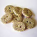 lot-de-7-boutons-jaune-violet-cane-cible-blog