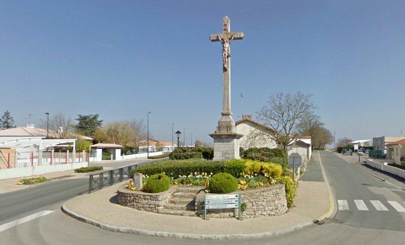 Croix du Souvenir Les Lucs sur Boulogne