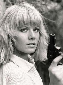 dempsey_and_makepeace_glynis_barber1_148