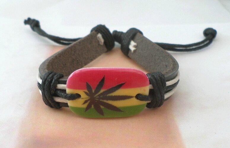 Bracelet Cuir Tressé Style Surfeur Perle Feuille Jamaique Réglable Unisexe