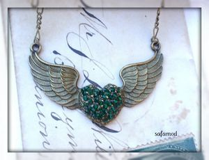 collier_collier_vintage_coeur_aile_bronze_1877807_pa129359_3e1d7_big