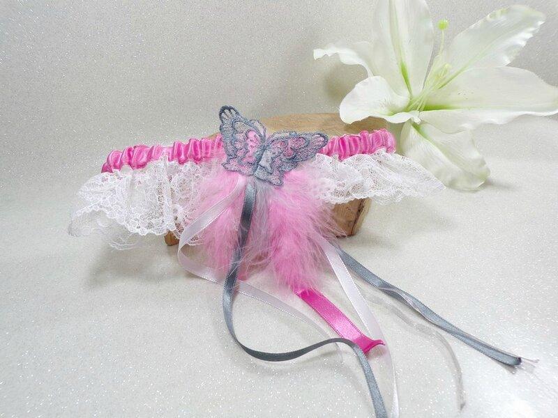 Jarretière de mariage papillon dentelle rose blanc gris romantique plumes