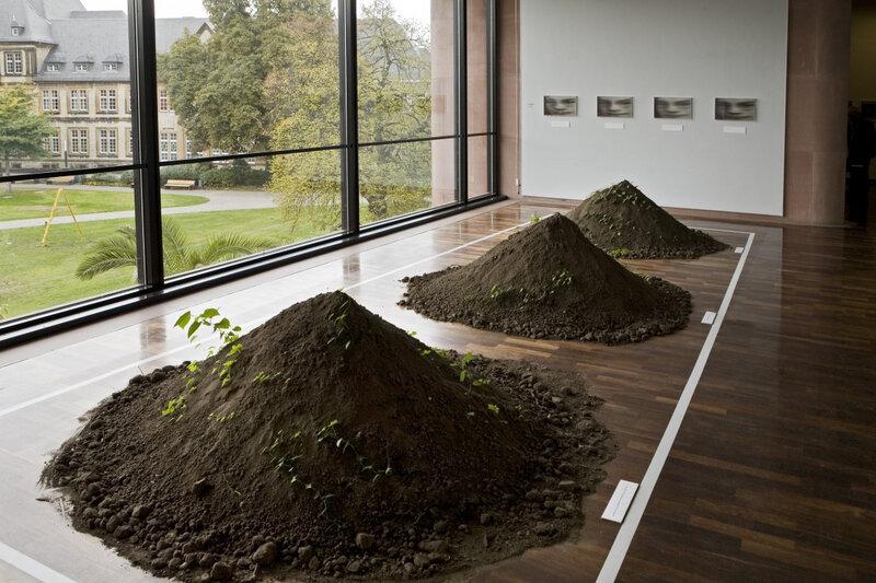 Three-Mounds-Bielefeld10