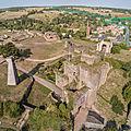 Sur les ruines du vieux château de tiffauges