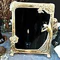 Le monde entiers , voici alors le miroir magique qui répondra à tous vos préoccupations