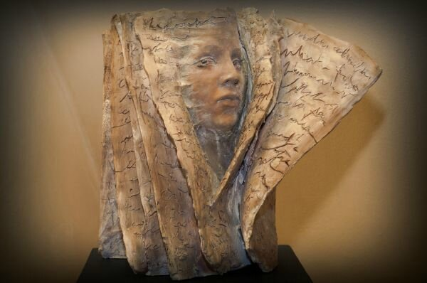 sculpture_artwork_paola_grizi_turn_the_page_1