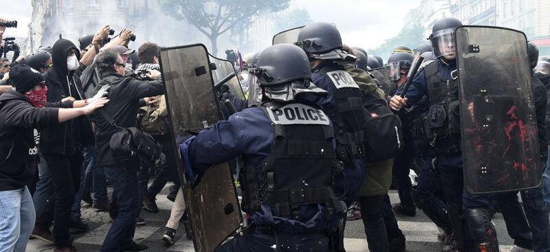 661%2Fmagic-article-actu%2F65a%2Fa51%2Fc87bf49f0c8080d085d0f0a78d%2Fmanifestation-contre-la-loi-travail-violents-affrontements-a-paris-58-interpellations_65aa51c87bf49f0c8080d085d0f0a78d