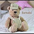 Barnabé, l'ours peluche en salopette