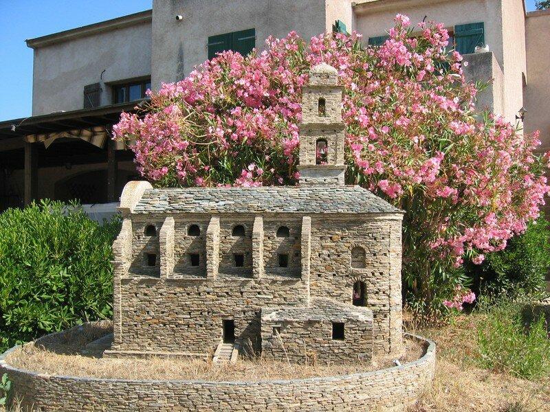Reconstitution en miniature de l'église de Patrimonio