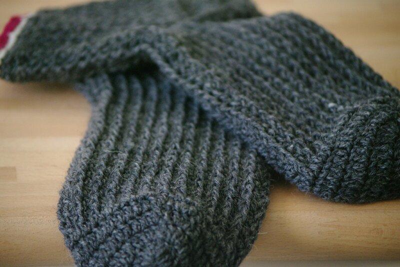 paire de chaussettes au crochet