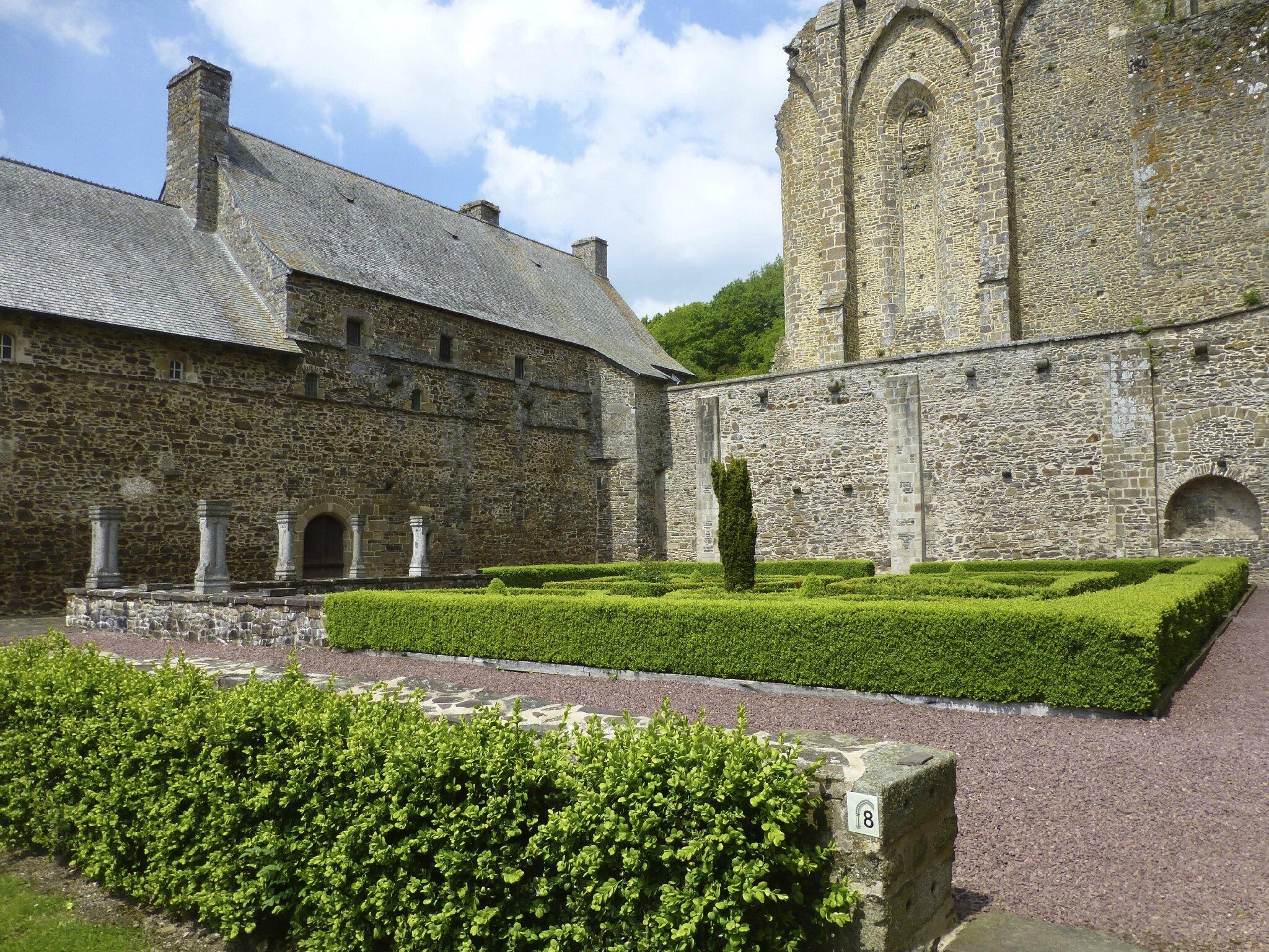 balade à cheval médiévale - Abbaye de Hambye (176)