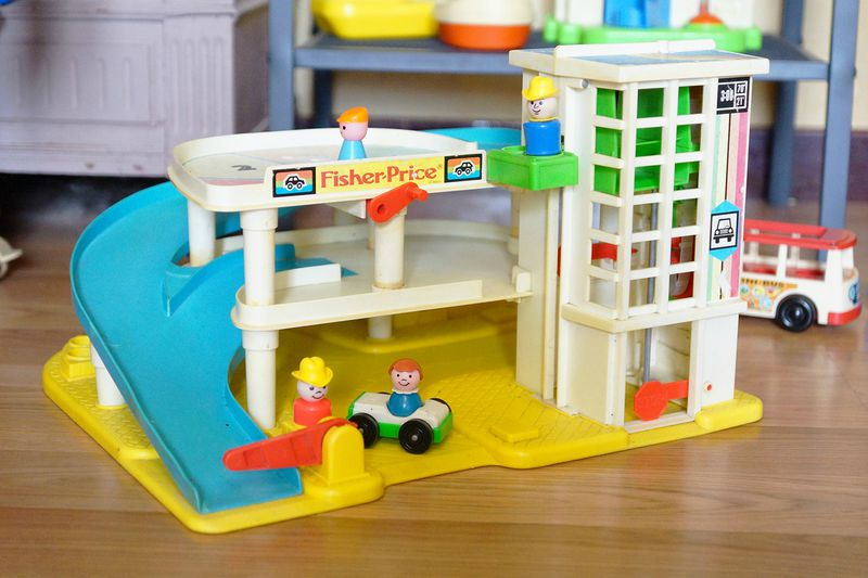 Garage Fisher Price : Play family garage fisher price trouvaille une étoile dans