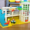 Play family garage, fisher price( trouvaille! )