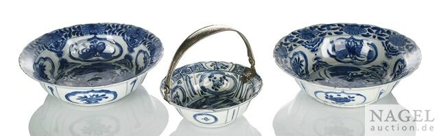 Three Kraak porcelain bowls, China, Wanli period